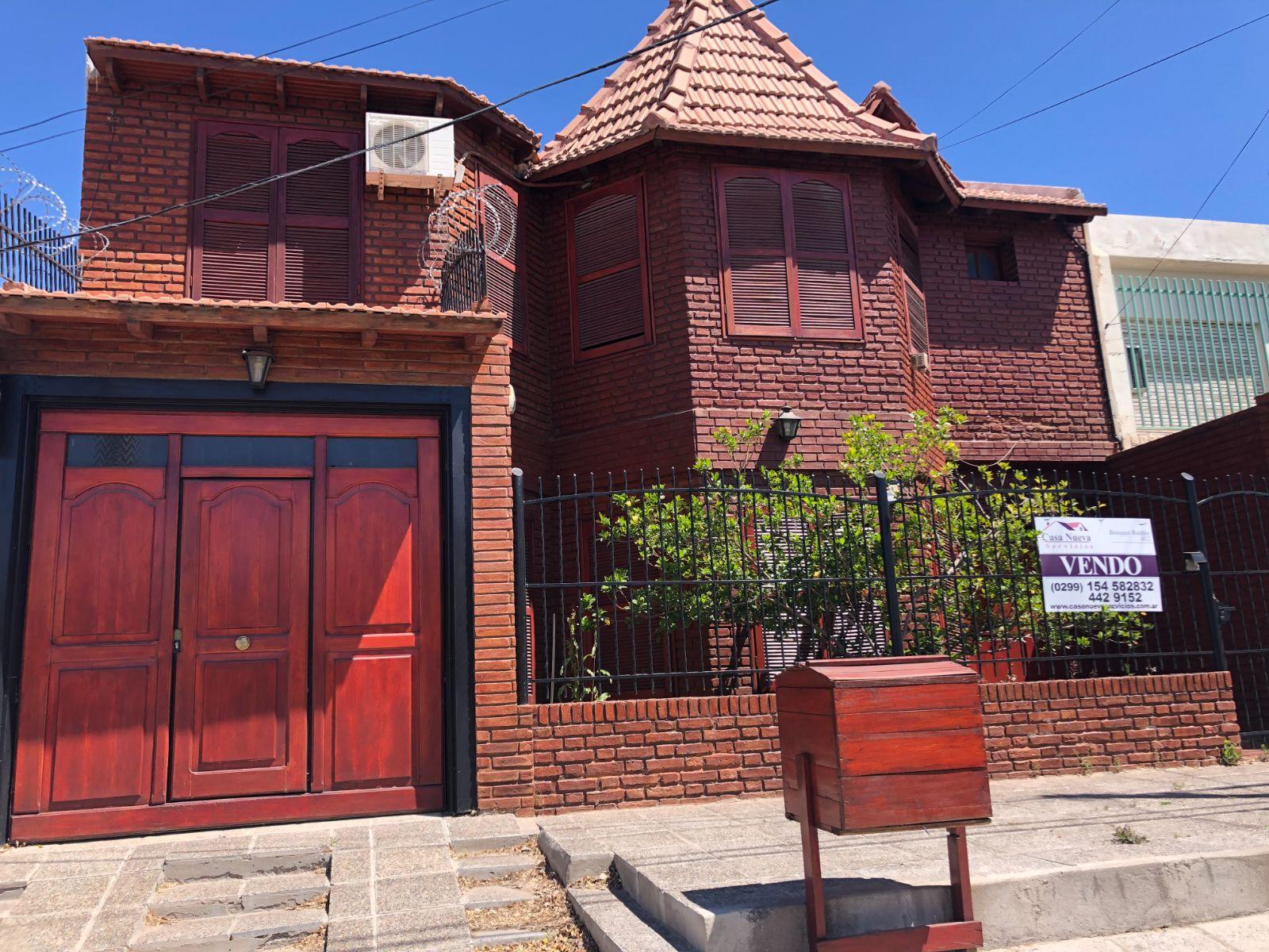 VENTA Casa 4 dormitorios en Las Heras al 400