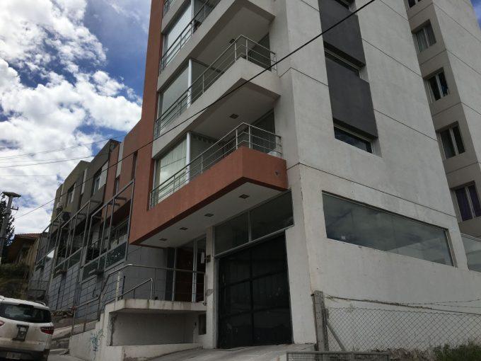 Departamento en venta de 3 dormitorios c/ cochera en Área Centro Oeste