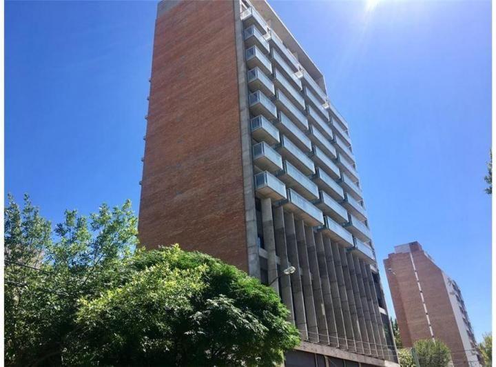Departamento en venta de 1 dormitorio en Área Centro Oeste