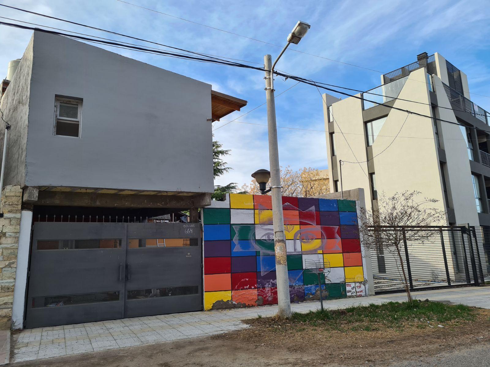 Venta casa 2 dormitorios calle Bolívar al 600, Neuquén